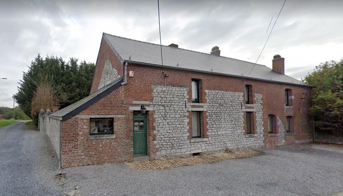 De woning in Fontaine-Valmont in Henegouwen waar het lichaam van de man werd gevonden.