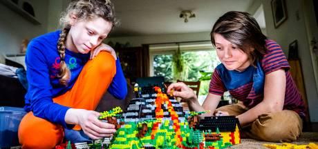 Vrienden Jona (12) en Daniël (12) zijn 'heel erg goed in Lego' en laten hun bouwkunsten zien op tv