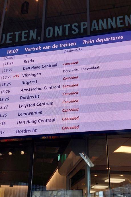Treinverkeer 'zeer beperkt' hervat: nog altijd grote problemen op het spoor