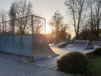 """Groen licht voor nieuw skatepark: """"Jongeren kunnen zich deze zomer uitleven op nieuw terrein en mogen helpen bij afbraak en opbouw"""""""