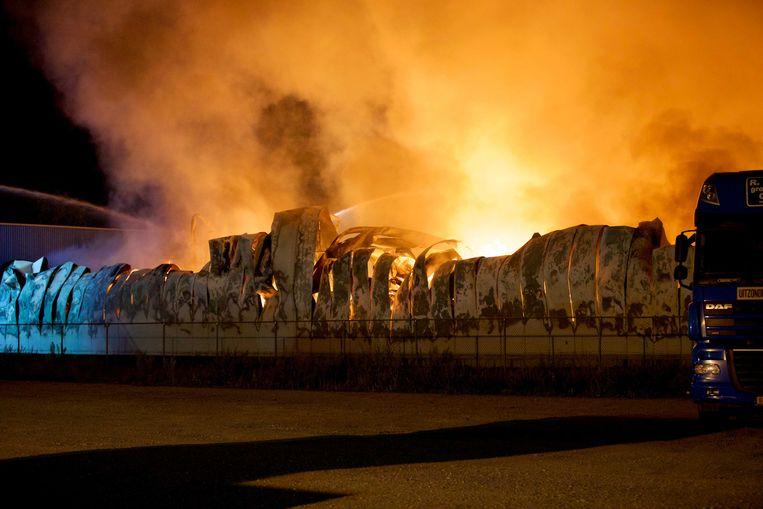 De brand aan de Zevenheuvelenweg in Tilburg. Beeld ANP