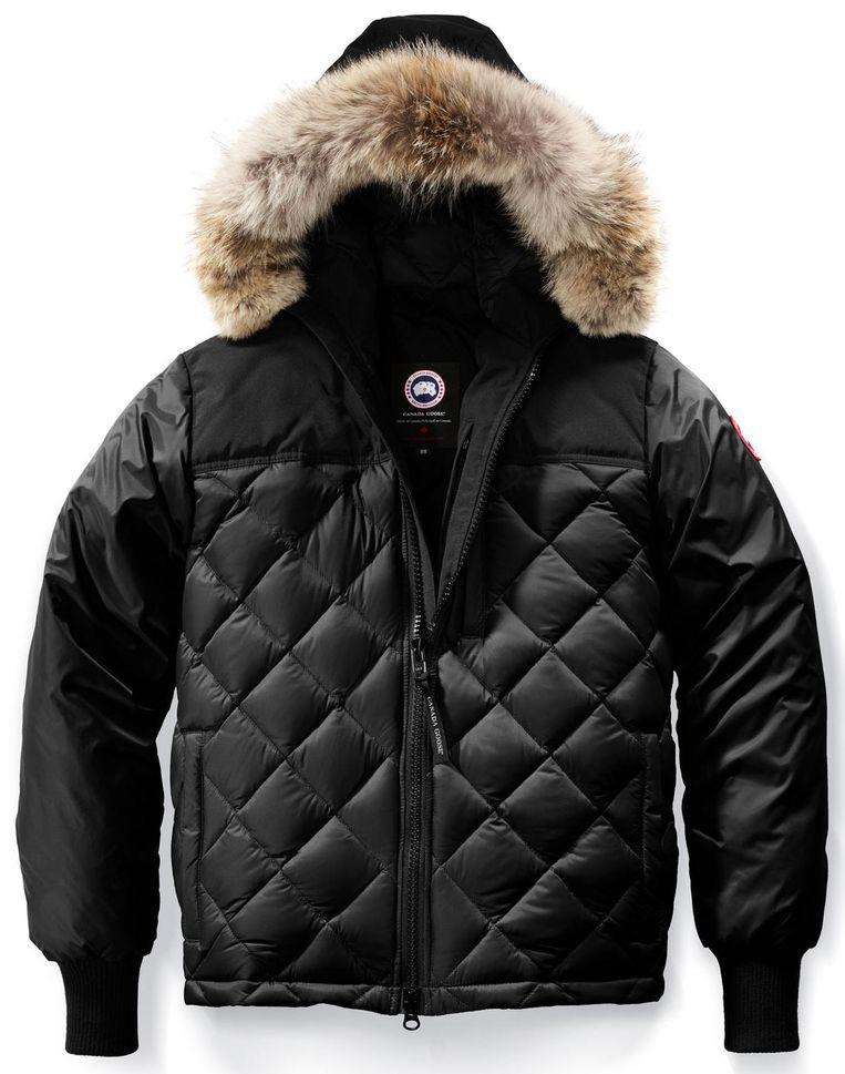 Canada Goose-jas, die in groten getale worden nagemaakt. Beeld -