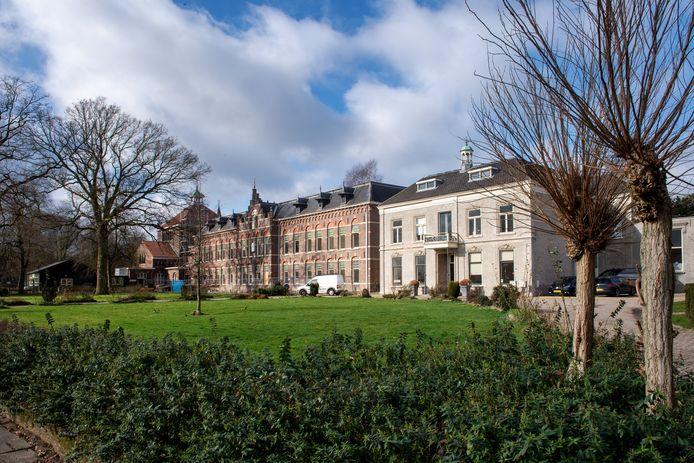 Nijmegen/Nederland: Voormalig pensionaat Sancta Maria aan de Bredestraat 170.