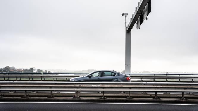 Ruim 31.000 snelheidsduivels bekeurd op Arnhemse Pleijroute; bekijk hier hoe de flitspaal in jouw buurt het doet
