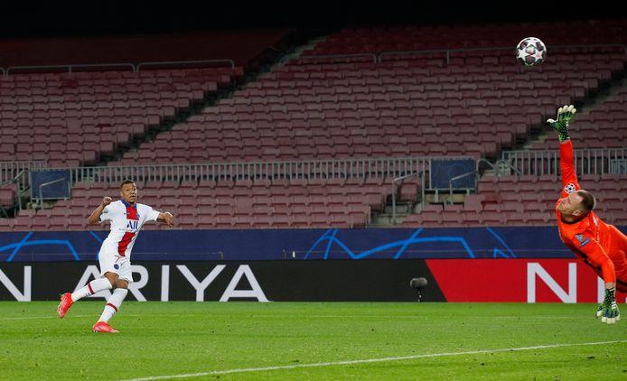 Kylian Mbappé maakt zijn derde.