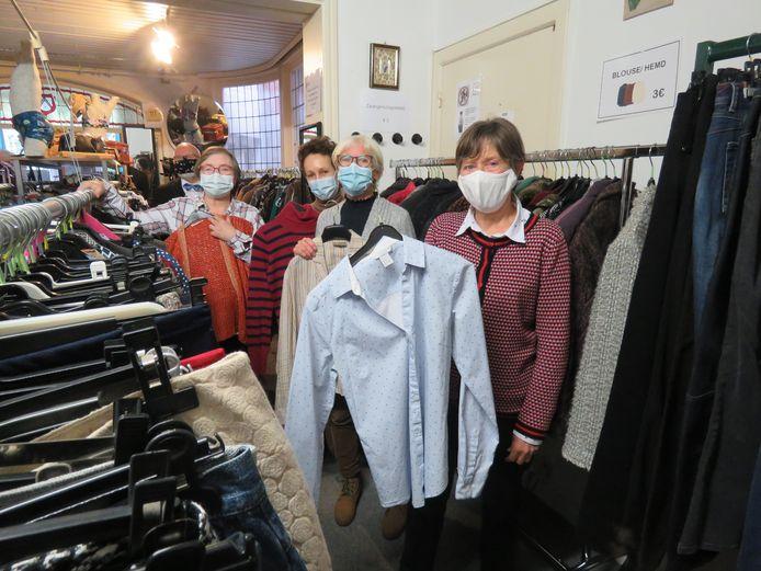 De Televestiaire 'mensen helpen mensen' biedt onder andere kledij aan tegen een prikje.
