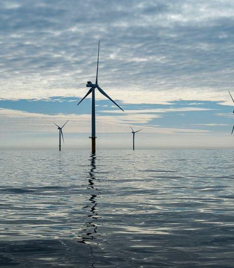 Shell gaat groene stroom leveren: 'Beloftes zijn mooi, maar gaat om de prestaties'