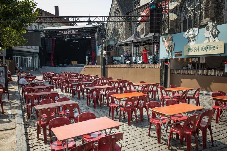 Op Sint-Jacobs een optreden in een bakoven zonder publiek. Beeld Wannes Nimmegeers