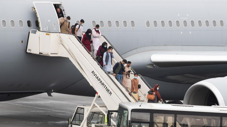 Aankomst van een vliegtuig op de luchthaven van Melsbroek in het kader van operatie Red Kite. Beeld BELGA