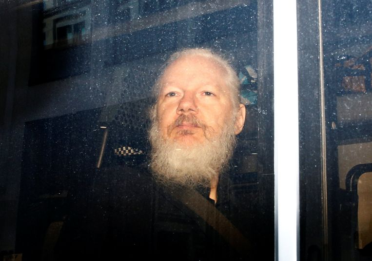 British Members of Parliament: Hand Assange Over to Sweden, Not the US