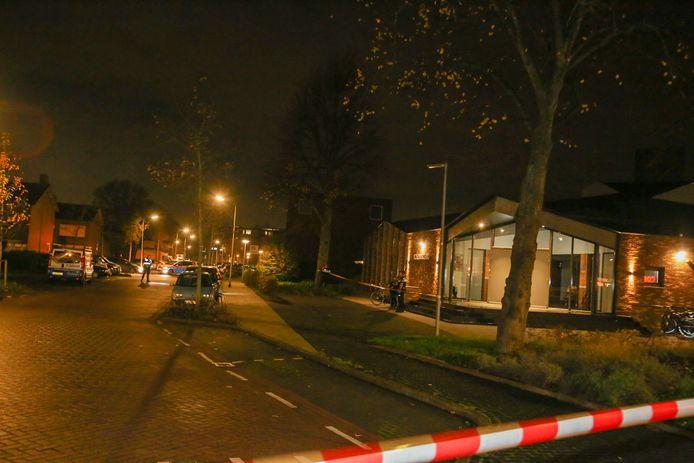 De Maasstraat werd na de schietpartij afgezet.