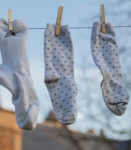 Ruim 100.000 sokken zijn binnen, maar toch wordt de Helmondse wereldrecordpoging langste waslijn met sokken weer uitgesteld