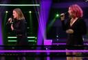 Emma en Zorah tijdens de battles in The Voice of Holland