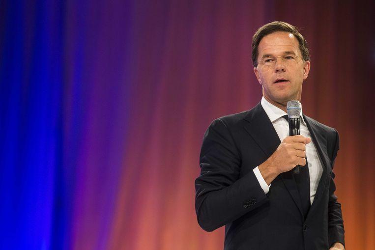 Partijleider Mark Rutte spreekt de aanwezigen toe op de tweede dag van het voorjaarscongres van de VVD. Beeld ANP