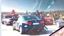"""Turkse Unie bepleit politiebegeleiding van trouwstoeten: """"Die gekken verbrodden onze feesten"""""""