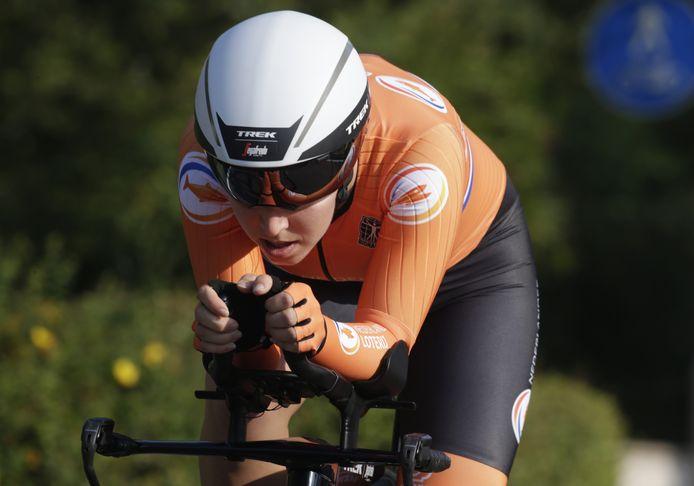 Shirin van Anrooij, hier in beeld bij de tijdrit van donderdag, werd de beste Nederlandse in de wegwedstrijd.