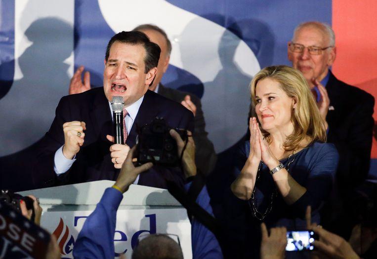 De voormalige Republikeinse presidentskandidaat Ted Cruz in 2016 tijdens een overwinningsspeech in de Amerikaanse staat Iowa. Die zege was een verdienste van Cambridge Analytica.  Beeld AP
