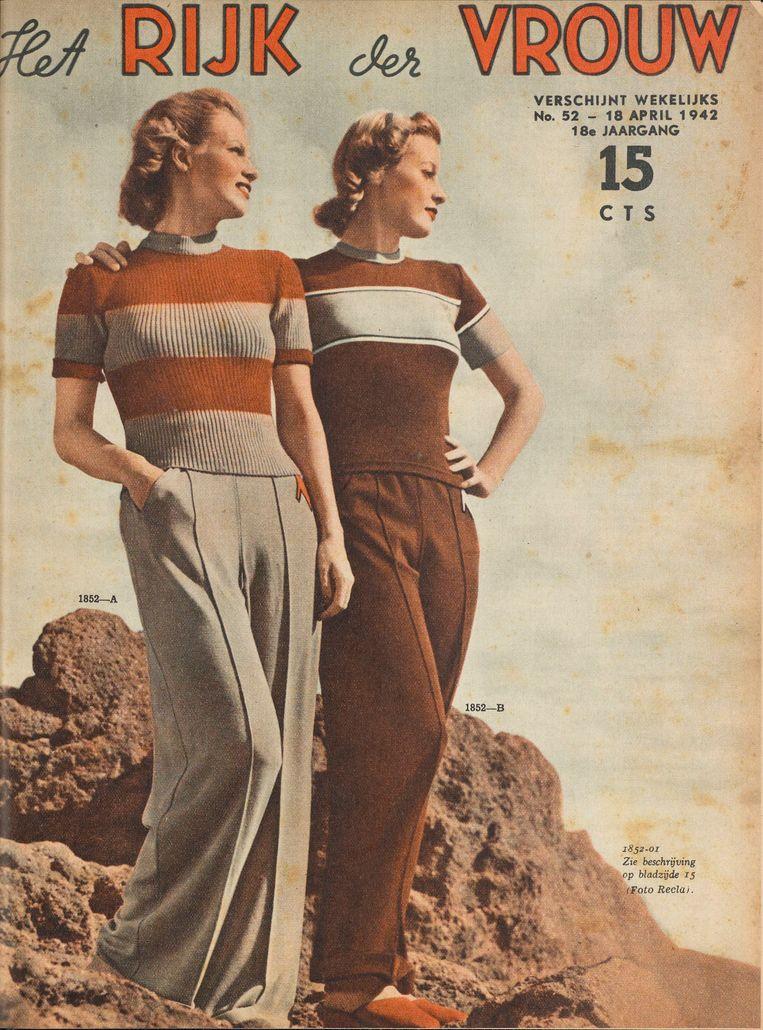 Het Rijk der Vrouw, 18 april, 1942. Door het gebrek aan kousen worden lange broeken voor vrouwen min of meer geaccepteerd. Beeld