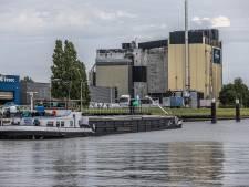 Schipper weigert met 'gifschip' Imatra te vertrekken uit Zwolle