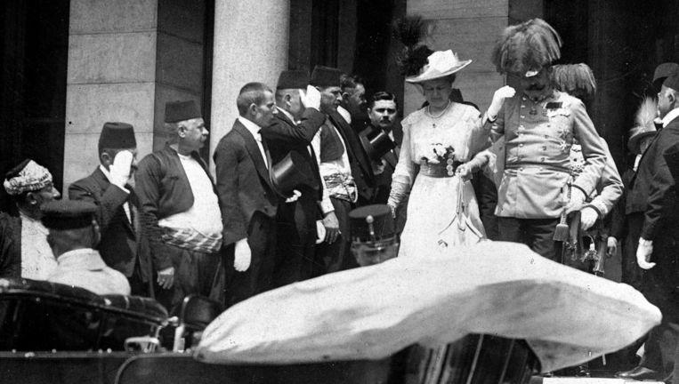 Aartshertog Franz Ferdinand en zijn echtgenote voor de moordaanslag. Beeld PHOTO_NEWS