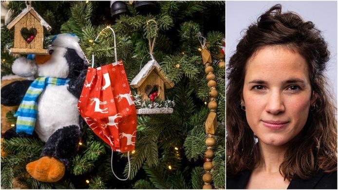 Een mondkapje in een kerstboom. Rechts Isolde Van Den Eynde.