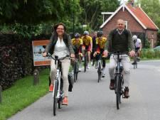 Burgemeester Molenlanden op kennismaking in eigen gemeente: 'Al lid van de buurtvereniging?'