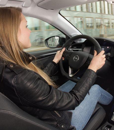 Autoverzekering gemiddeld 6 procent duurder: jongere automobilist wordt het hardst geraakt