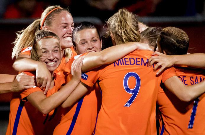 De saamhorigheid na de winst van het Nederlands vrouwenelftal is een van de tekenen dat het goed gaat met het land