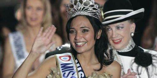 Valérie Bègue avait été élue Miss France 2008, au grand dam de Geneviève de Fontenay.