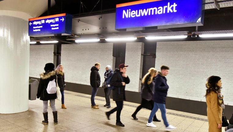 Unger ontwierp de wegwijsborden in de Amsterdamse metro. Beeld anp