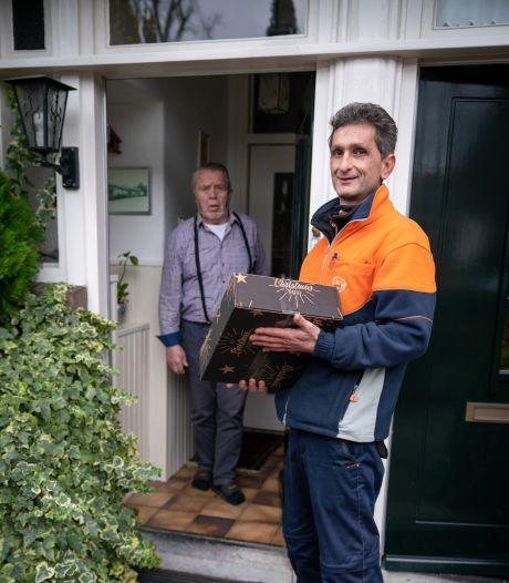 (Bijna) perfecte pakketbezorger Mirac is altijd op tijd én haalt zo nodig de sleutel uit je voordeur