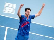 Sonego veegt Djokovic in 68 minuten van de baan in Wenen