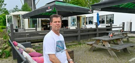 'Op de Amerikaanse toer' in Nieuw-Vossemeer, nieuwe eigenaar bij eetcafé de Praeter