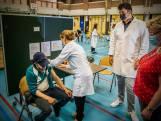 Rotterdams 'vaccinatiecircus langs de wijken' wordt mogelijk ook in rest van Nederland ingevoerd