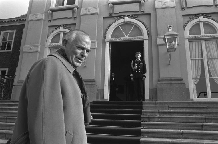 In 1973 belandde de formatie ook in een impasse, totdat koningin Juliana een robuuste oud-politicus tot formateur benoemde: Jaap Burger. Beeld Bert Verhoeff