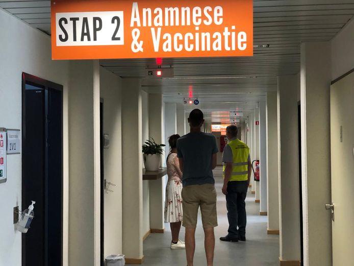 Bezoekers van het vaccinatiecentrum in Tienen kregen foute uitnodiging.
