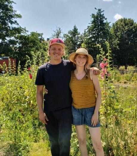Zelf bloemen plukken in Haarlem? Dat kan in deze prachtige tuin gerund door Erwin en Merel