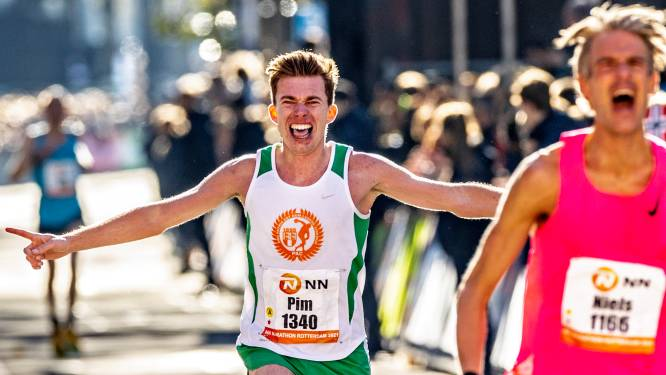 AD-verslaggever Pim Bijl slaagt in Rotterdam in bizarre missie: 2.28,11