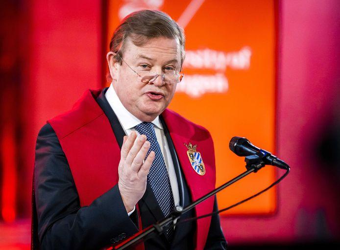 Feike Sijbesma, voormalig DSM-topman en op dit moment president-commissaris bij Philips, tijdens de uitreiking van een eredoctoraat van de Rijksuniversiteit Groningen in de Martinikerk eerder dit jaar.