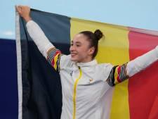 Turnster Nina Derwael (21) pakt eerste goud voor België, immense vreugde bij familie