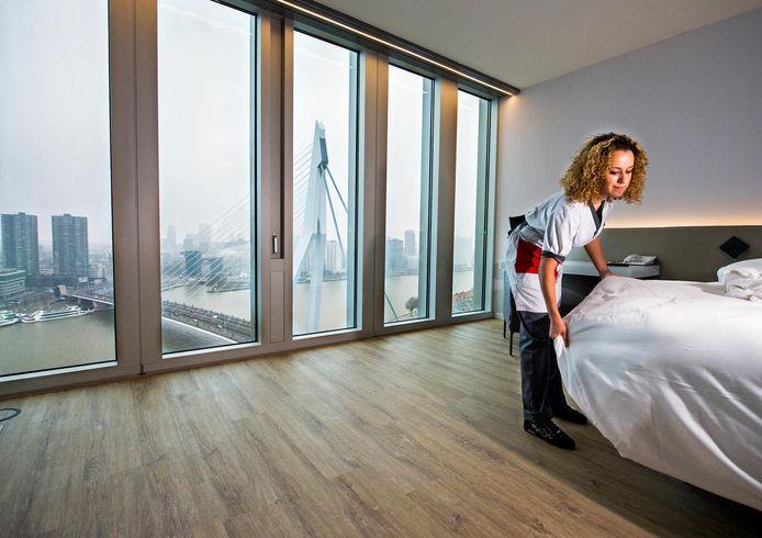 De Erasmus Universiteit huurt het Nhow Hotel op de Wilhelminapier af voor het wetenschapsfestival. Foto: Frank de Roo