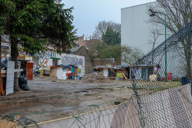 Het nieuwe kampje van de Roma's in de Paviljoenstraat.