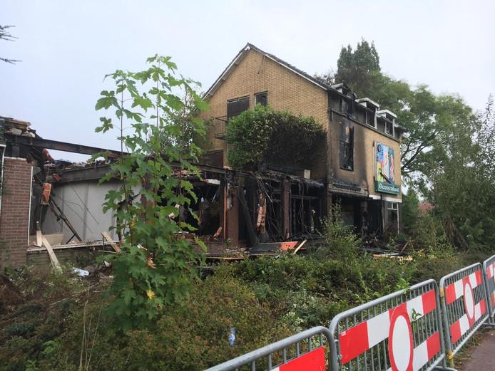 Het uitgebrande pand in Klarenbeek