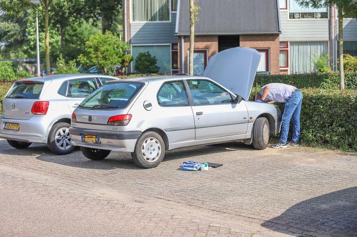 De recherche onderzoekt ook een auto die geparkeerd staat in de buurt van de woning in Huissen.