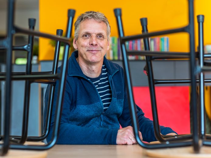 Jan Verkerk (60) is al bijna 40 jaar onderwijzer in de Utrechtse wijk Overvecht.