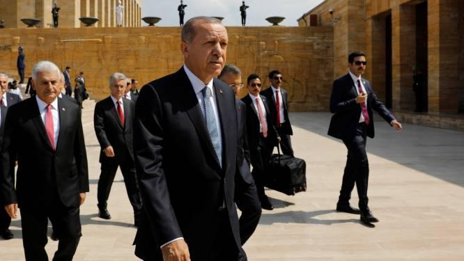 """Turkije heeft luchtafweer nodig vindt Erdogan: """"Desnoods produceren we zelf een gevechtsvliegtuig"""""""