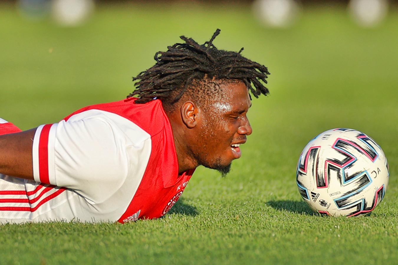 Lassina Traoré verruilt Ajax voor Sjachtar Donetsk.