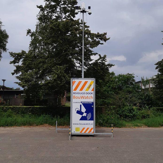 Cameratoezicht en intensievere controles moeten de overlast van jongeren in de Doetinchemse wijk Overstegen terugdringen.