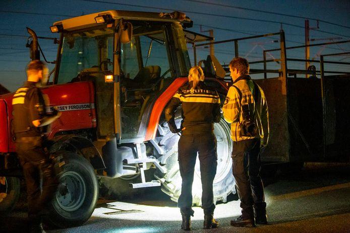 Motorrijder gereanimeerd Loendersloot, na botsing tractor met lading koeien.