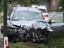 Motorrijder gewond naar ziekenhuis na ongeluk met auto in Veghel